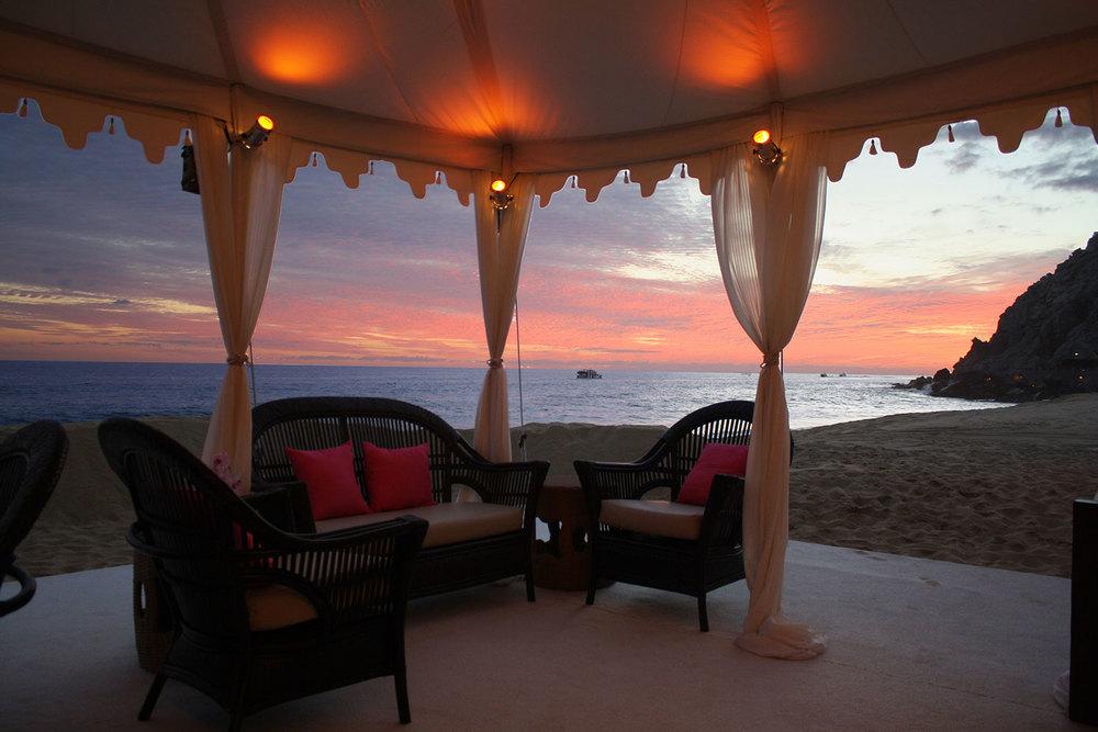 raj-tents-beach-chic-theme-cabo.jpg