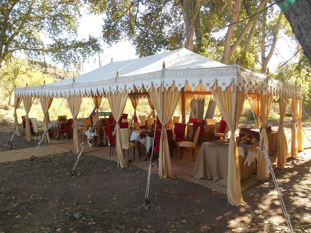 raj-tents-other-themes-boho-chic-dining.jpg