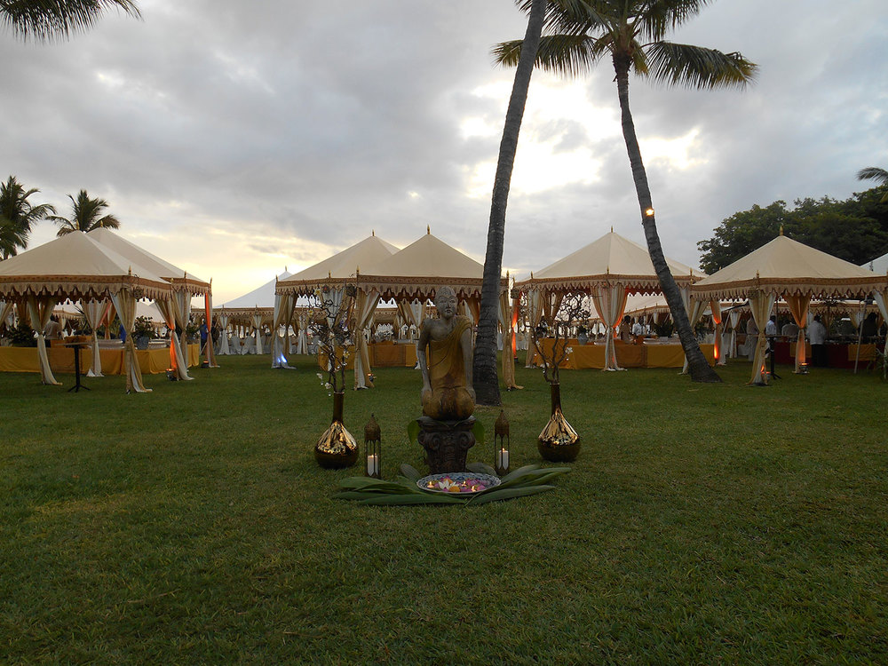 raj-tents-destination-weddings-mauritius-statue.jpg
