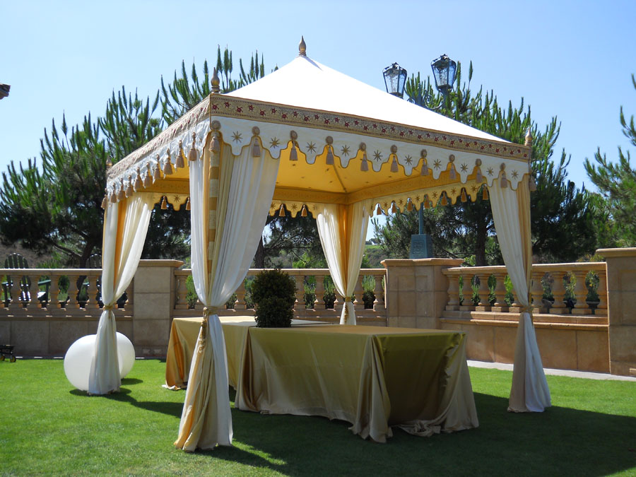 Cream and Honey Glow Pergola Bar.jpg