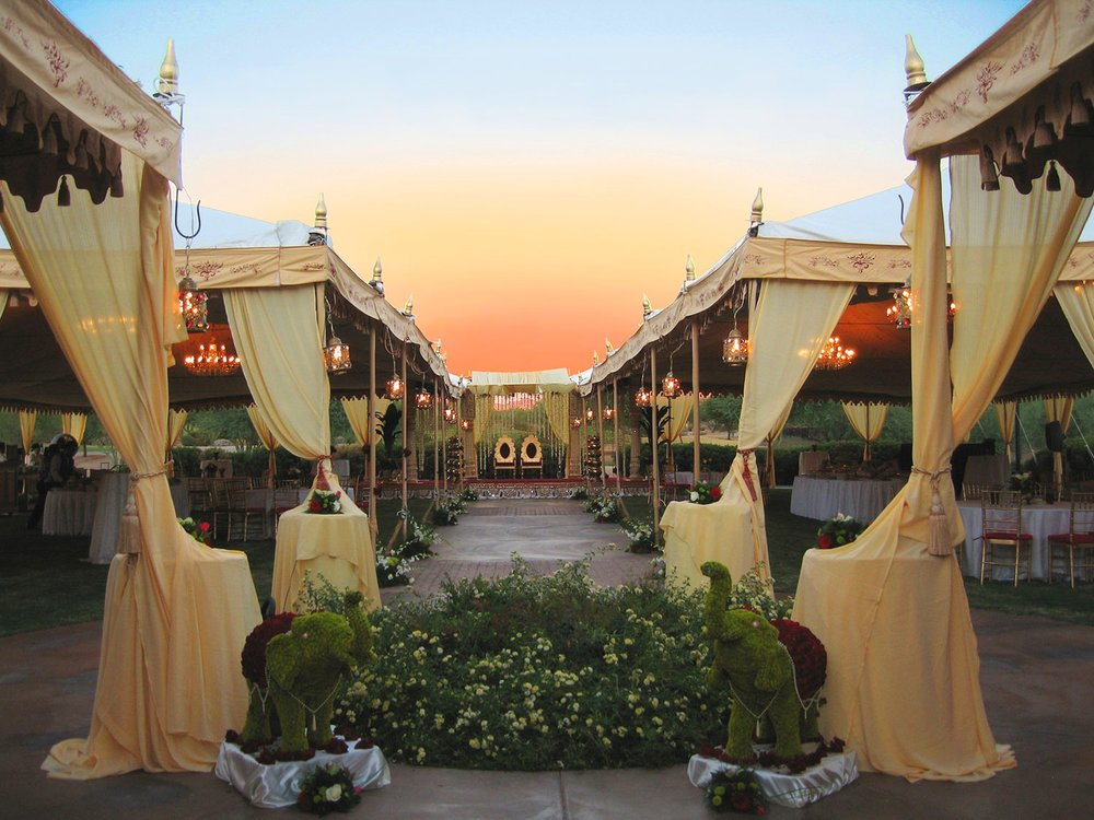 raj-tents-indian-wedding-dining-walkway.jpg