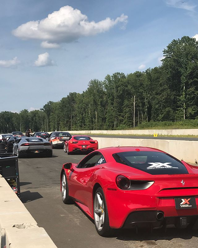 Fun in the sun with some badass Supercars! 🏎🏎😎❤️#Ferrari #needforspeed #gift #cloud9 #sportscar #weekend #beautiful #dope #fabulous #luxurylifestyle #luxury #sexy #fun #bosslife #racing #track #speed #supercar #fast #letsgo #graduationgift #hot #inspiration #motivation #Friday #bts
