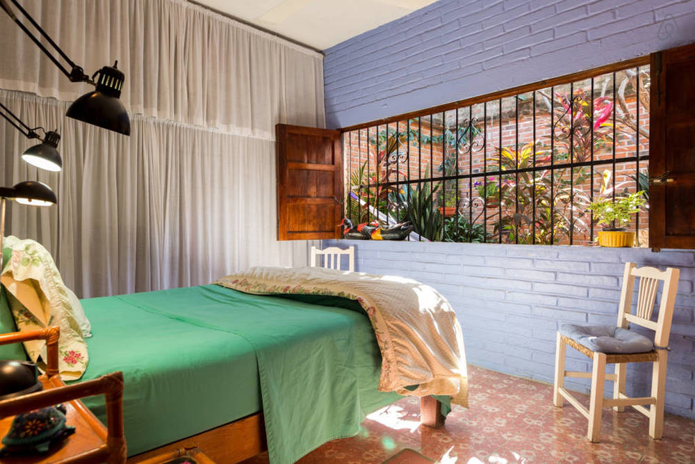 blue-room01.jpg