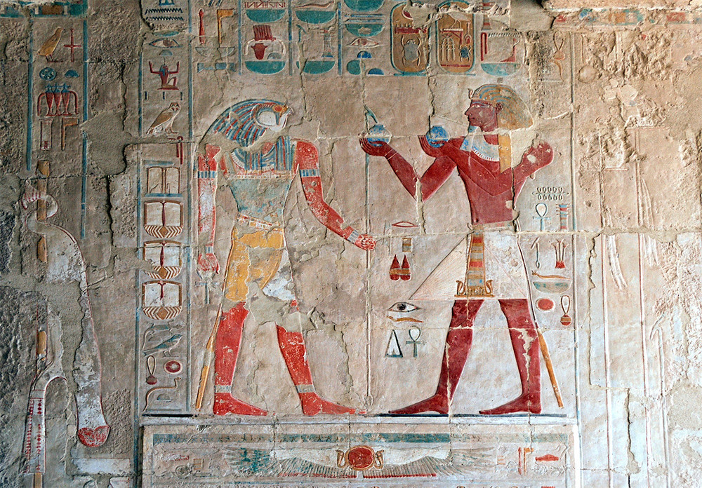 Luxor,_hieroglyphic_decorations_inside_the_Temple_of_Hatshepsut,_Egypt,_Oct_2004_A.jpg
