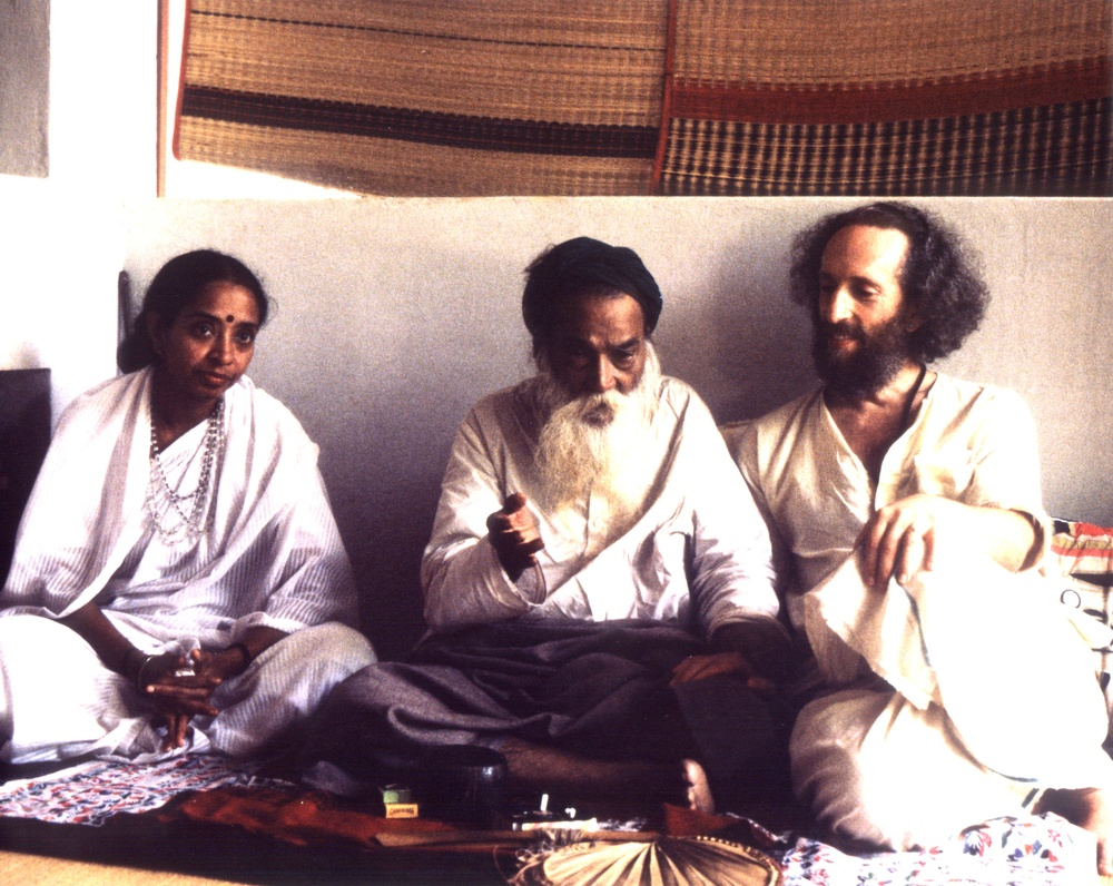 Ma Devaki, Yogi Ramsuratkumar and Lee Lozowick, Tiruvannamalai, India 1993