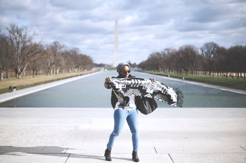 Tasha-James-The-Glossier-Fashion-Beauty-Makeup-Blogger-Outfit-Style-Winter-Trends-Blanket-Scarf-Ripped-Jeans-2.png