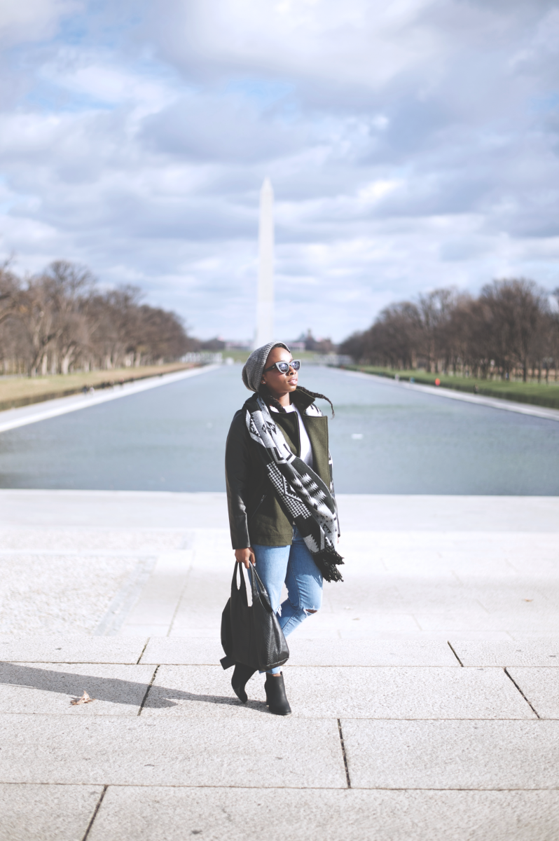 Tasha-James-The-Glossier-Fashion-Beauty-Makeup-Blogger-Outfit-Style-Winter-Trends-Blanket-Scarf-Ripped-Jeans-4.png