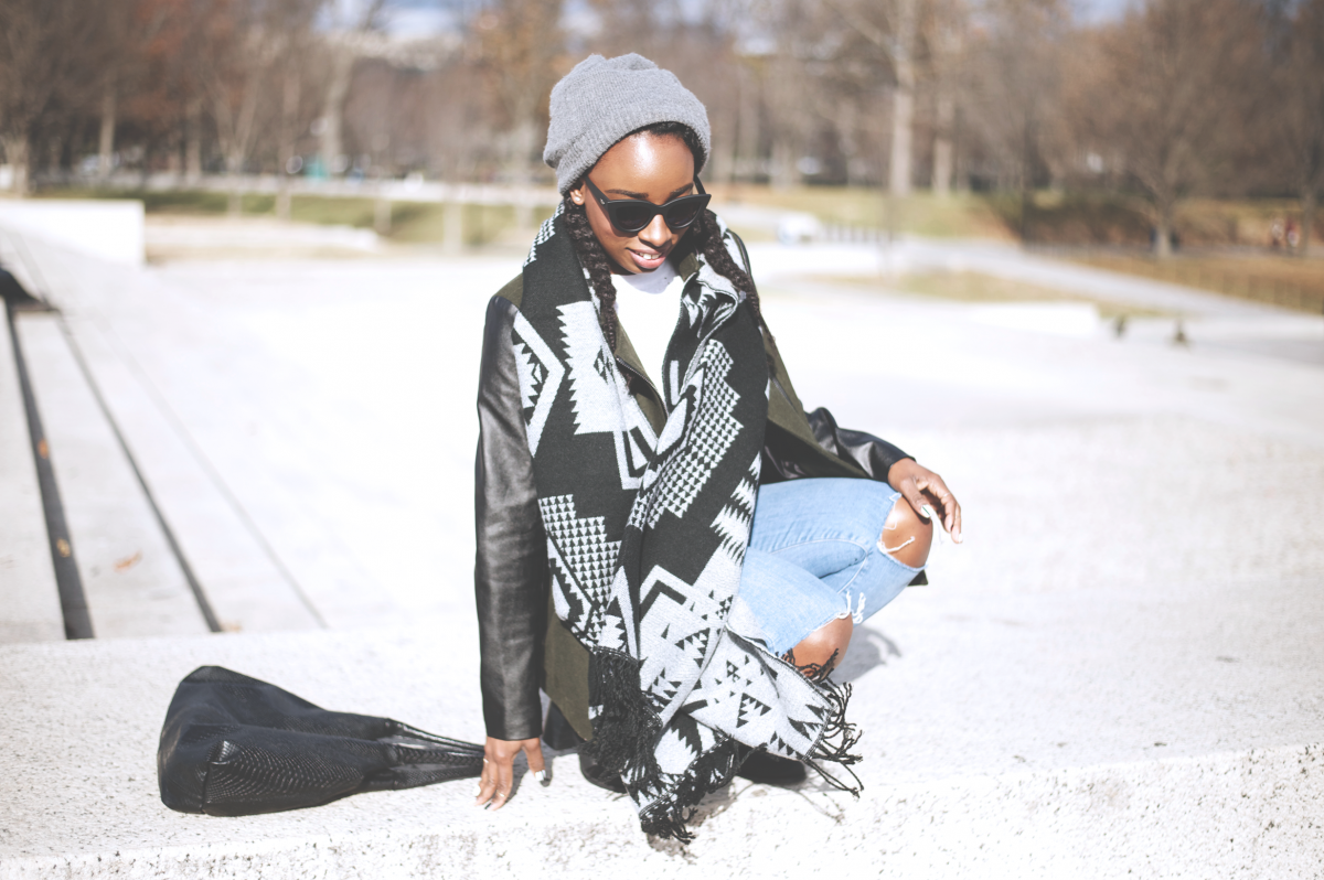 Tasha-James-The-Glossier-Fashion-Beauty-Makeup-Blogger-Outfit-Style-Winter-Trends-Blanket-Scarf-Ripped-Jeans-9