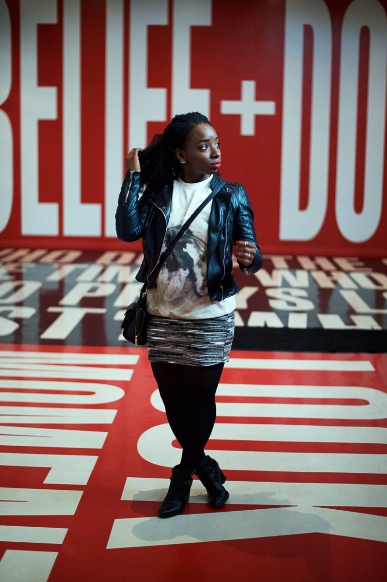 Tasha-James-The-Glossier-Fashion-Beauty-Makeup-Blogger-Outfit-Style-Winter-Trends-Belief-And-Doubt-Barbara-Kruger-Hirshhorn-DC-3