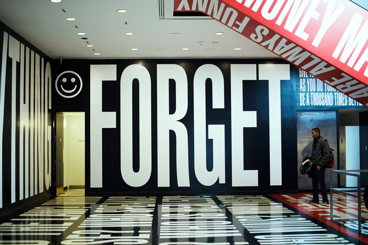 Tasha-James-The-Glossier-Fashion-Beauty-Makeup-Blogger-Outfit-Style-Winter-Trends-Belief-And-Doubt-Barbara-Kruger-Hirshhorn-DC-20