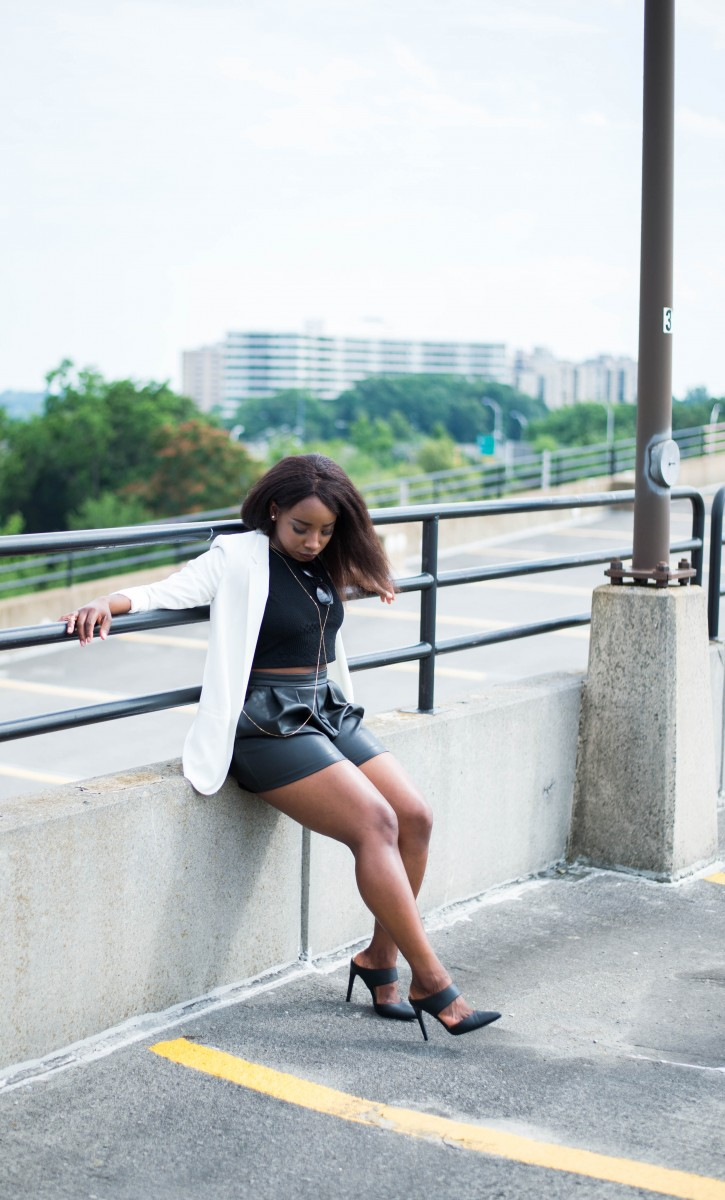 The-Glossier-Fashion-Style-Blogger-DC-Black-Leather-Shorts-White-Blazer-7