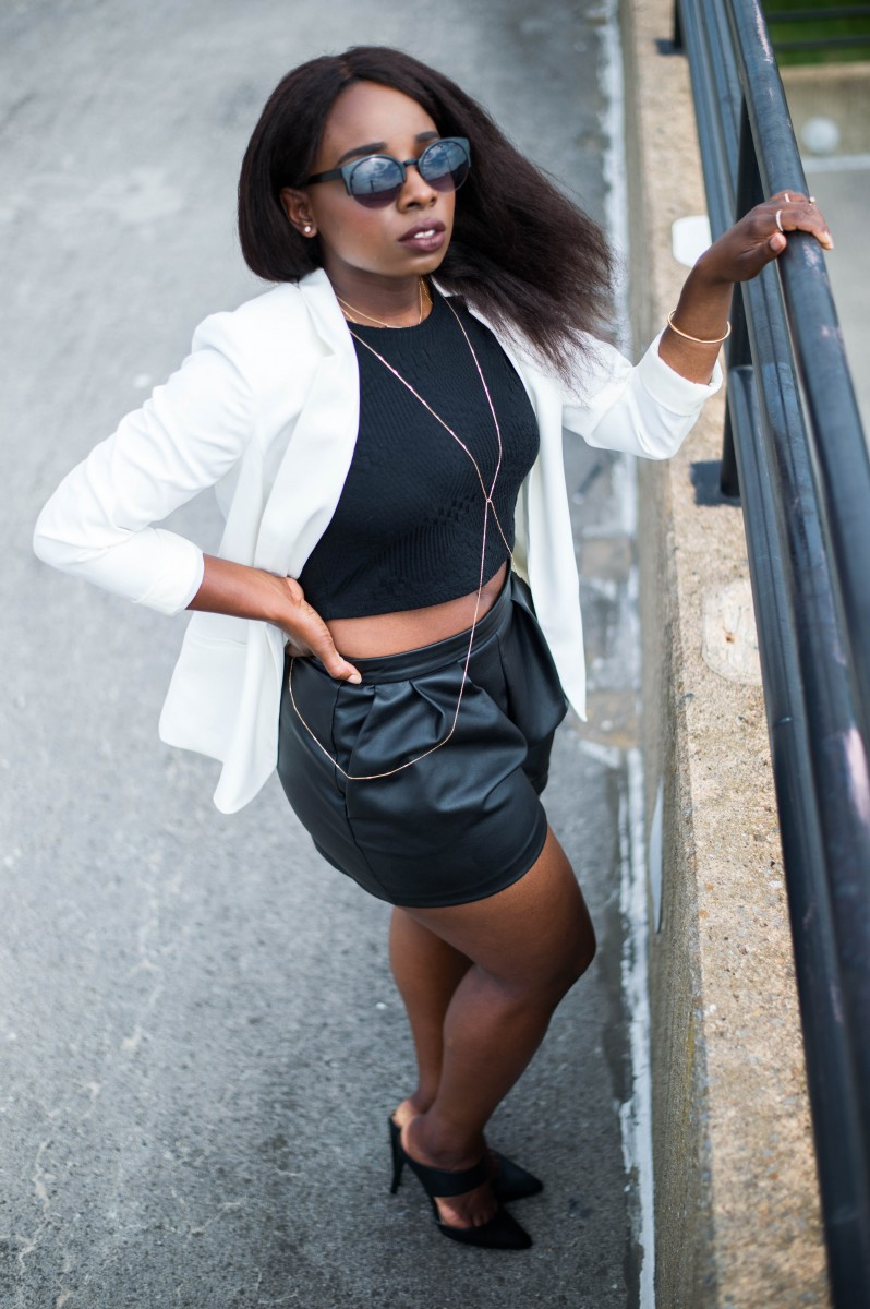 The-Glossier-Fashion-Style-Blogger-DC-Black-Leather-Shorts-White-Blazer-6