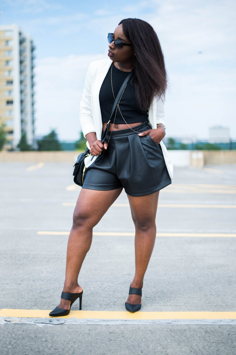 The-Glossier-Fashion-Style-Blogger-DC-Black-Leather-Shorts-White-Blazer-1