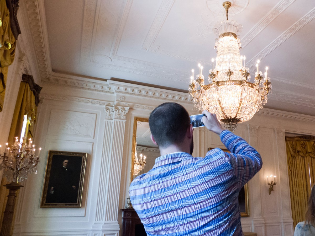 Tasha-James-The-Glossier-White-House-Tour-Photo-Ban-Lift-2015-10
