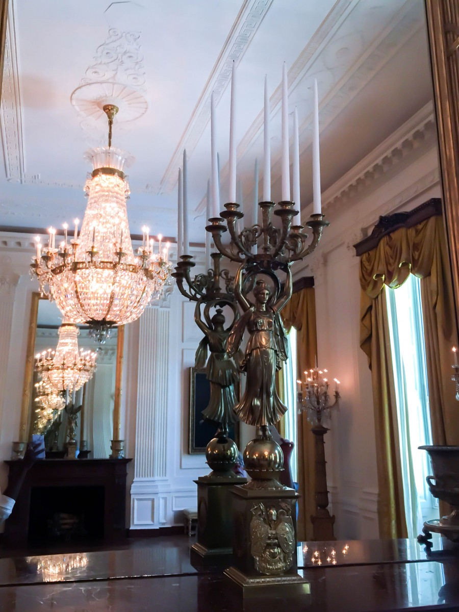 Tasha-James-The-Glossier-White-House-Tour-Photo-Ban-Lift-2015-12