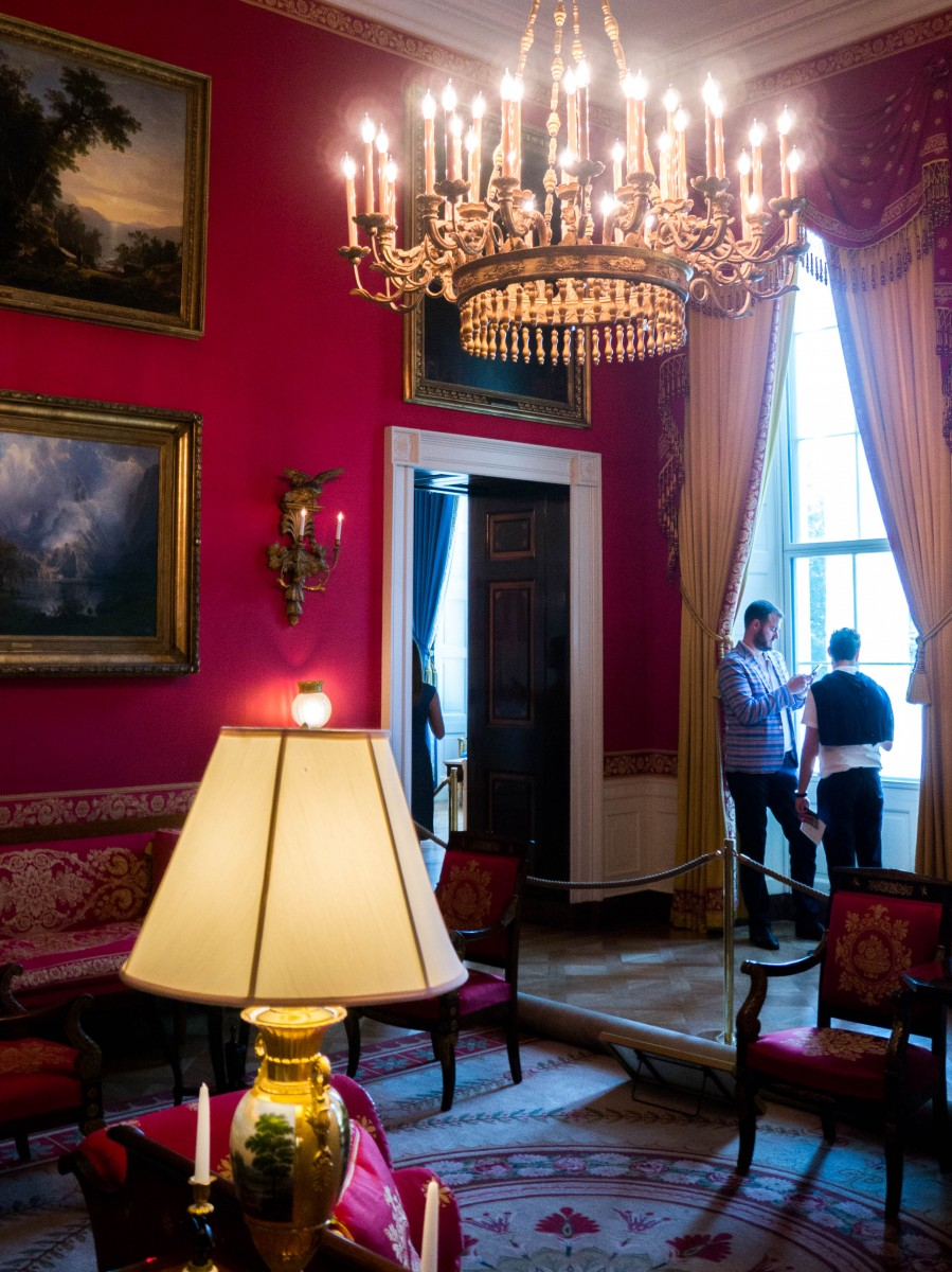 Tasha-James-The-Glossier-White-House-Tour-Photo-Ban-Lift-2015-19