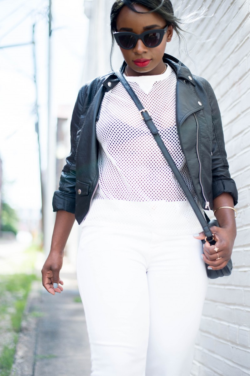 The-Glossier-Blogger-Fashion-Style-All-White-Summer-Lookbook-8