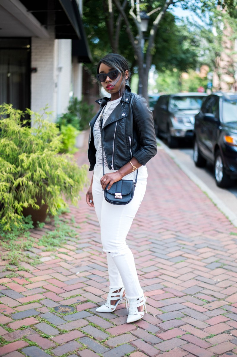 The-Glossier-Blogger-Fashion-Style-All-White-Summer-Lookbook-12