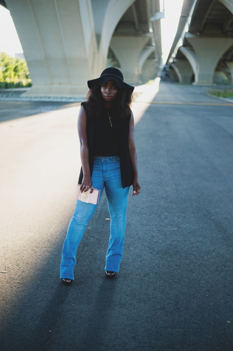 The-Glossier-Fashion-Blogger-Style-Outfit-Trendy-70s-Alexandria-1 copy