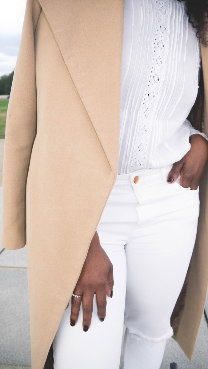 The_Glossier_Tasha_James_Style_Fashion_Blogger_Kim_Kardashian_Camel_Coat_White_Monochromatic_DC-28