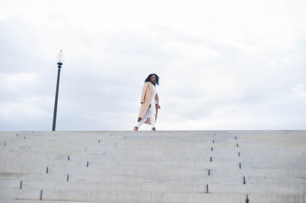The_Glossier_Tasha_James_Style_Fashion_Blogger_Kim_Kardashian_Camel_Coat_White_Monochromatic_DC-18