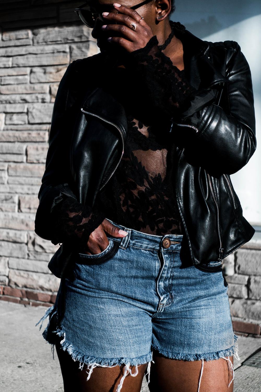 The-Glossier-Tasha-James-All-Black-Denim-Shorts-Fashion-Blogger-DC-Summer-2016-BBHMM-44.jpg