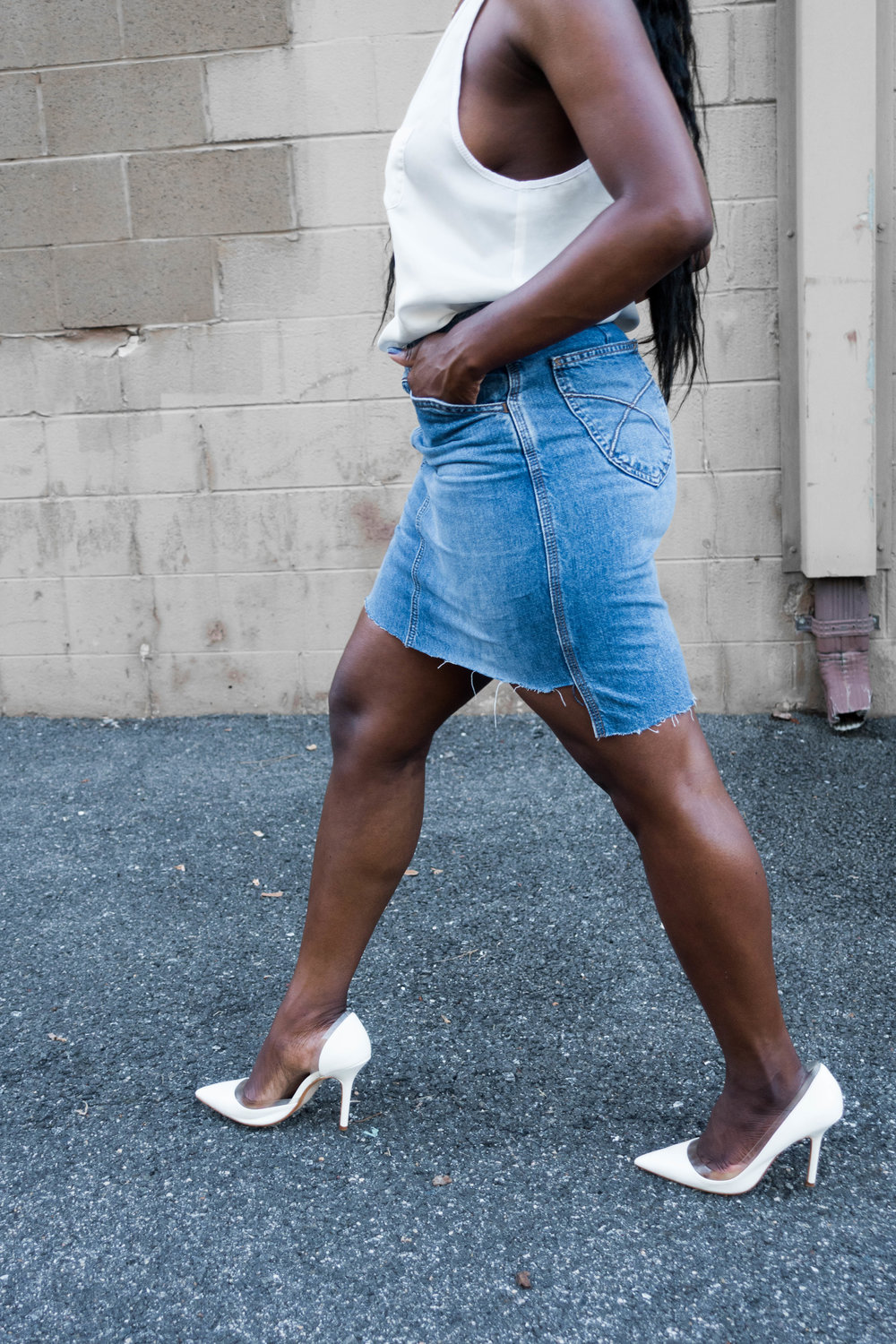 The-Glossier-Tasha-James-Fashion-Blogger-DC-Summer-2016-Raw-Hi-Lo-Hem-Denim-Skirt-Minimal-Style-9.jpg