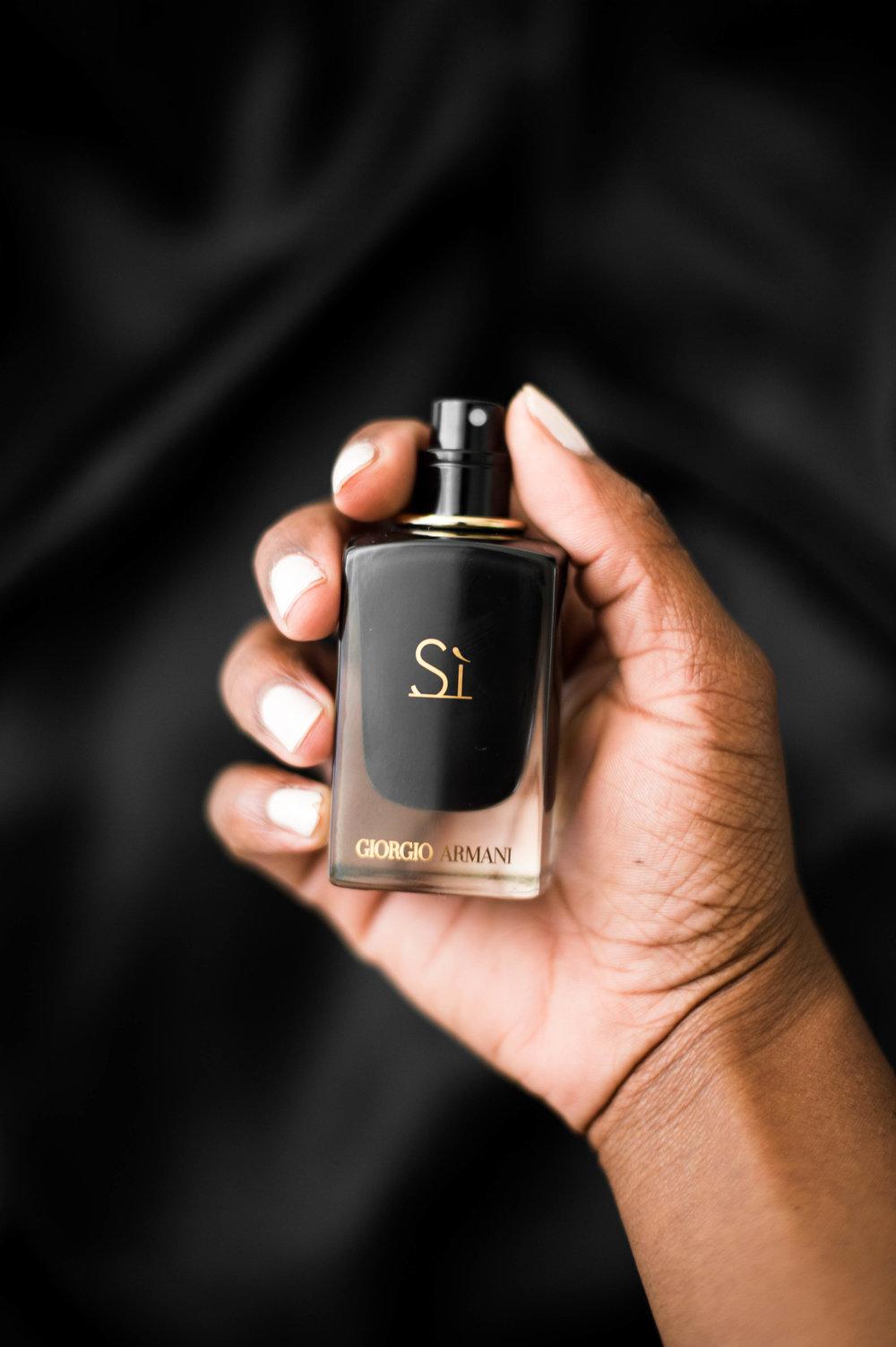 Saysi Giorgio Armani Sì Intense Perfume Review The Glossier