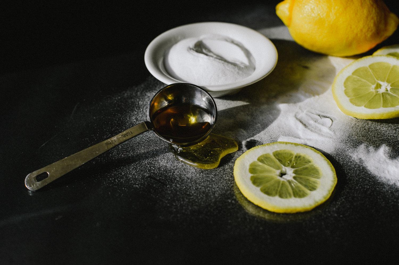 DIY Face Mask with Lemon, Honey, & Baking Soda — THE GLOSSIER