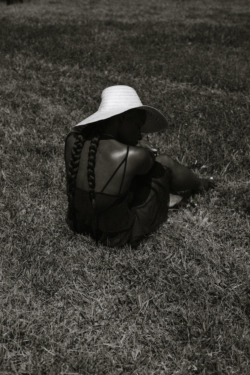 Tasha-James-The-Glossier-Blogger-Fashion-Style-HM-Lace-Dress-Black-40.jpg