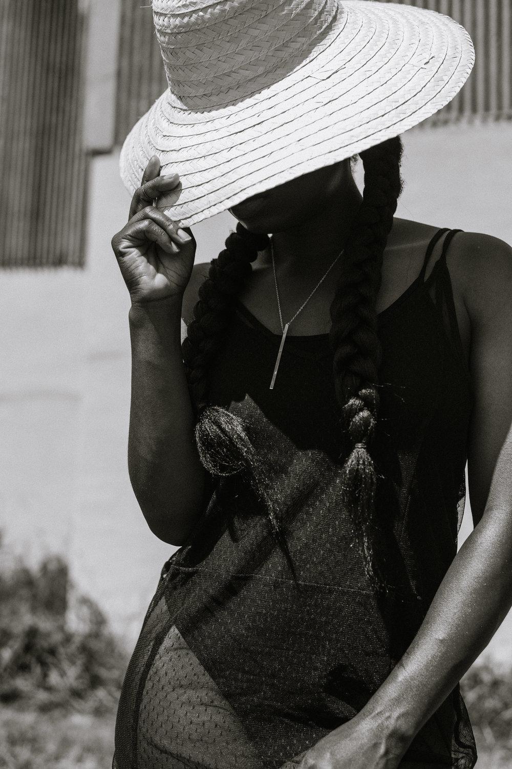 Tasha-James-The-Glossier-Blogger-Fashion-Style-HM-Lace-Dress-Black-8.jpg