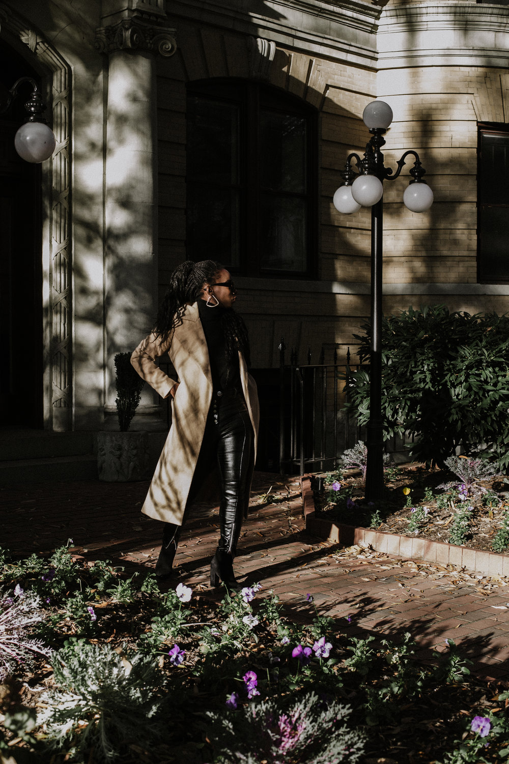 The-Glossier-Tasha-James-Fashion-Style-Blogger-DC-Winter-Coat-All-Black-8.jpg