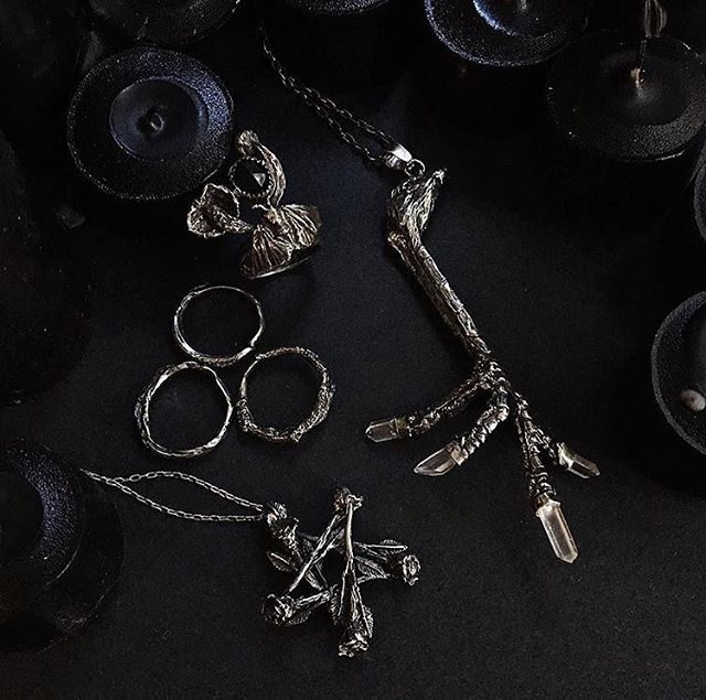 The only vendor (other than us of course) to be at every Witches' Night Out: @mercuryhour 🦂 The scorpion queen and queen of our dark hearts. Shop her badass, magical jewels on Sunday, 2-10 pm at @wowphilly!