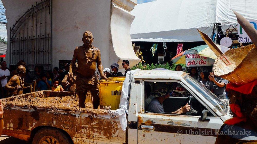 Mud Men at Wat Phon Chai