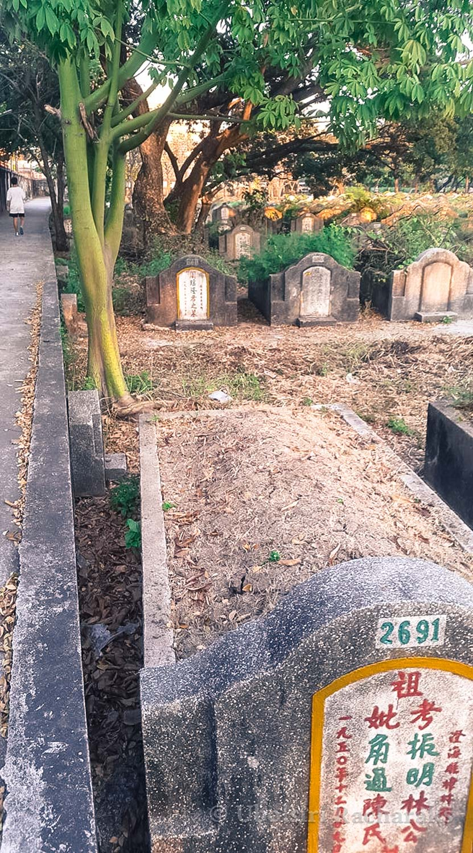 Grave at Teochew Chinese Cemetary, Bangkok, Thailand