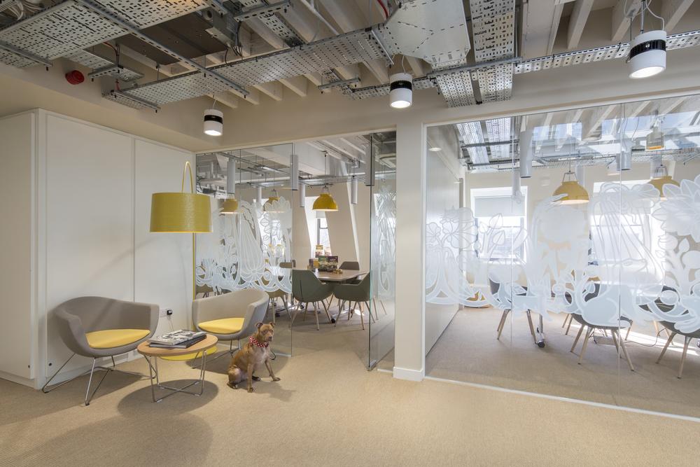 \u0027Lip smacking interiors\u0027 & Fabric Interior Design + Architecture