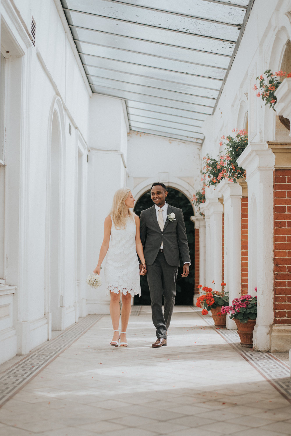 Couples photos at bromley registry office