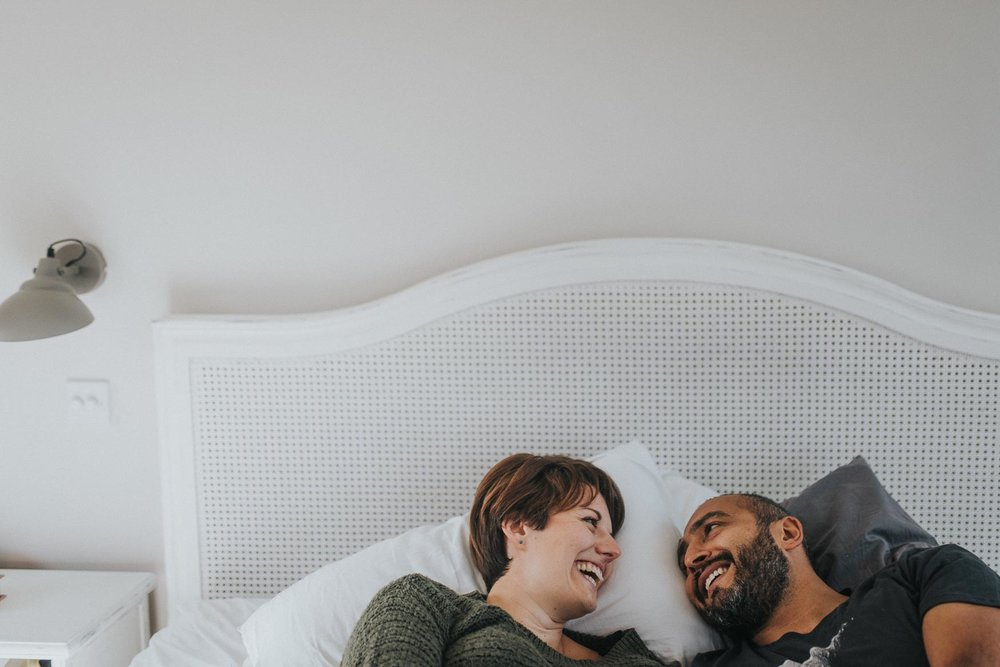 Fun couple laughing on their intimate engagement shoot| London engagement shoot. www.baiandelle.com