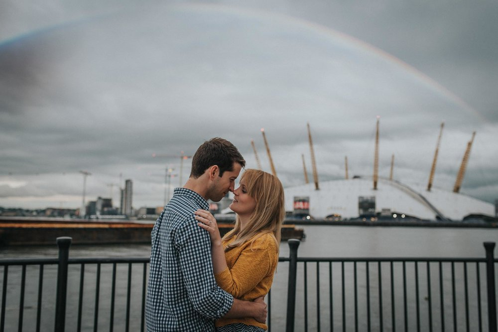 Couple in front of the 02 |Relaxed Greenwich engagement photography www.baiandelle.com