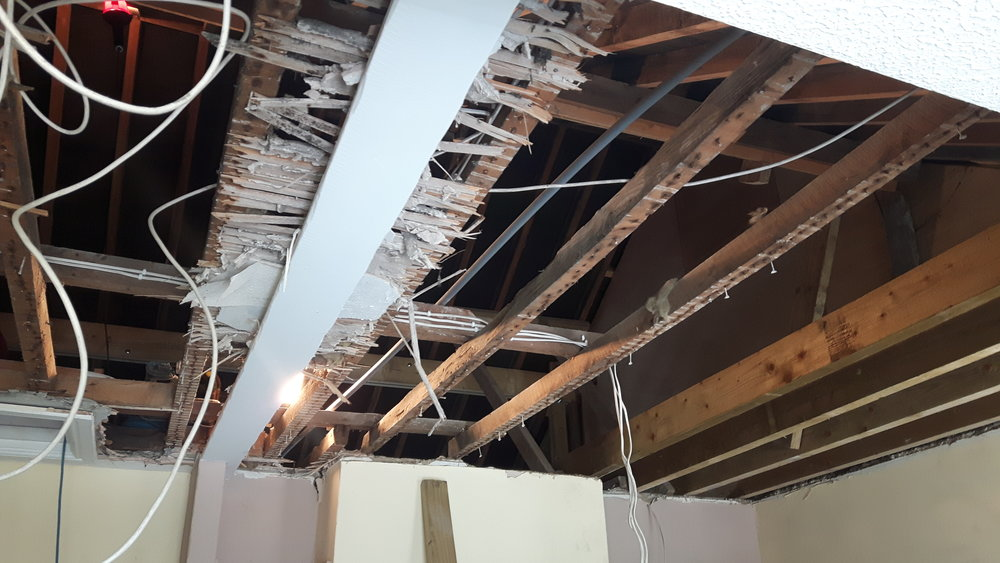 Ripping out Masterbedroom Ceiling