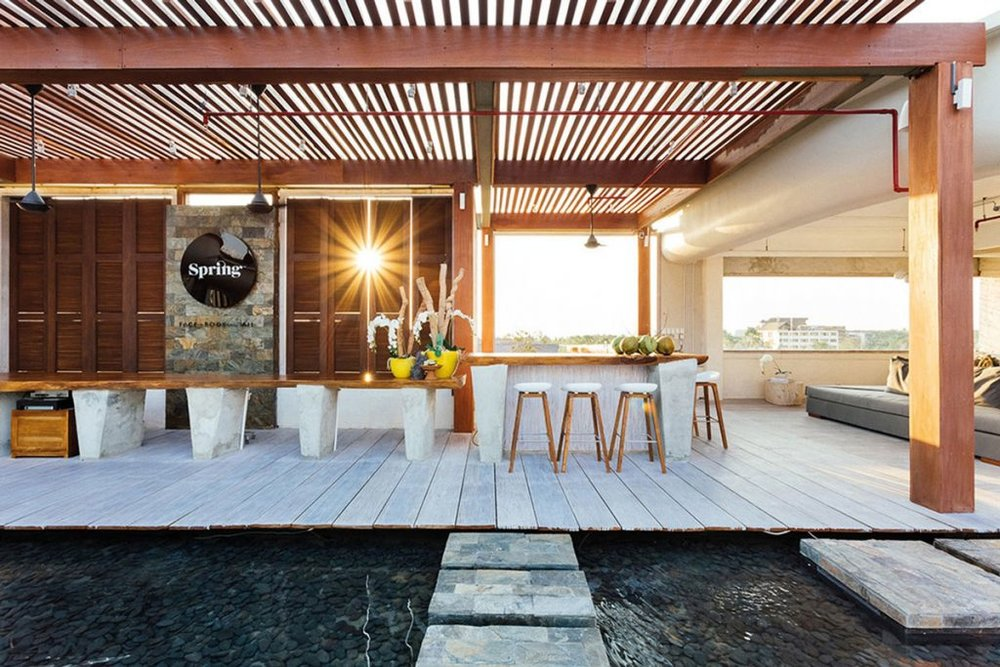 Spring at Seminyak Village is a rooftop spa that stands out with outdoor tranquil areas and social spaces. An extensive menu of high quality treatments matched with excellent prices makes this establishment a must-go.