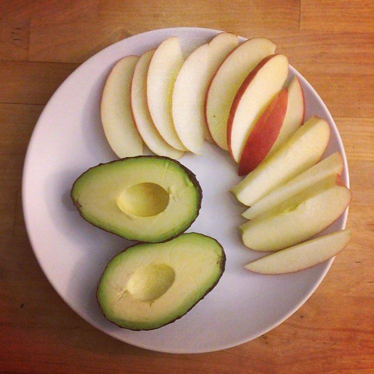 Nani-eats-an-apple-a-day