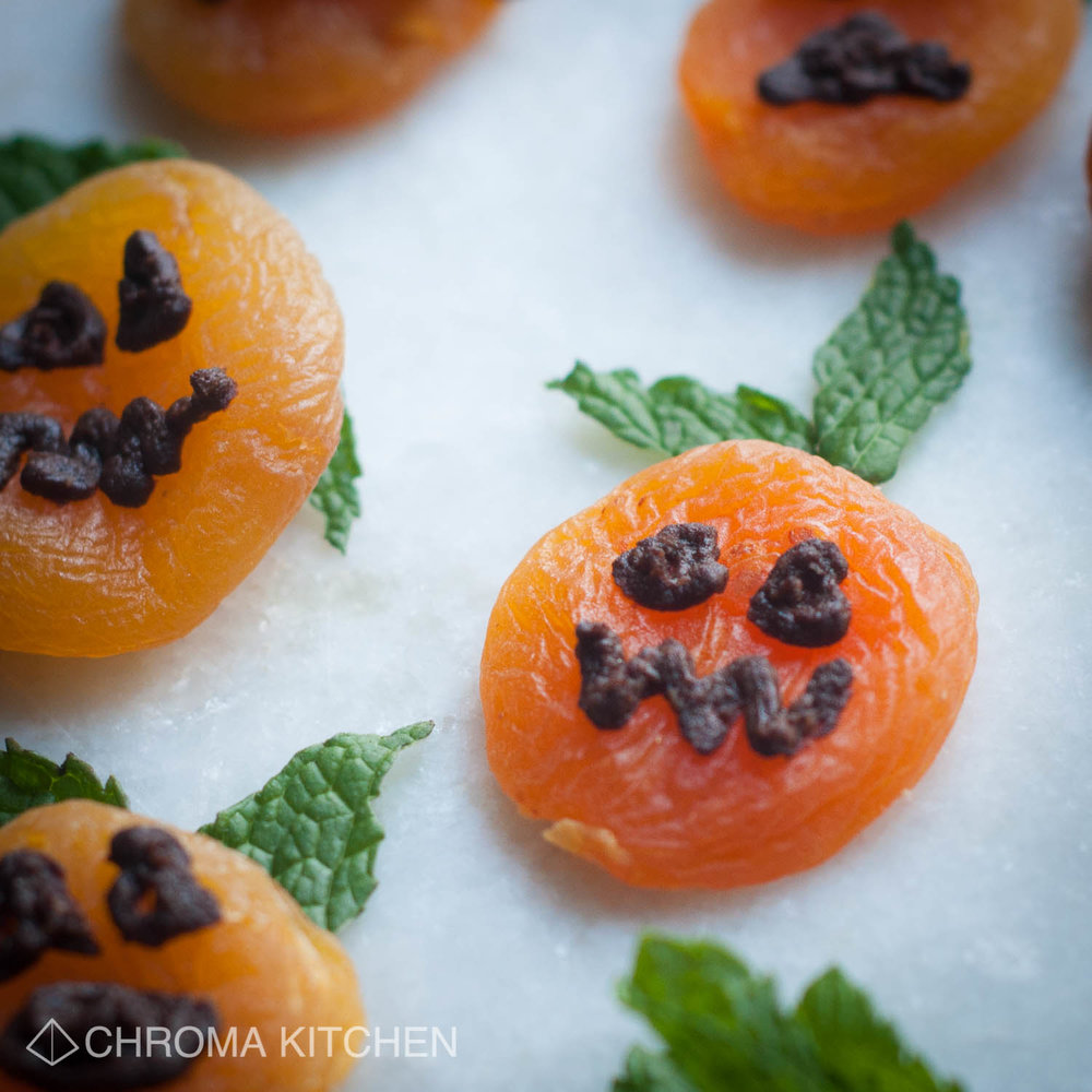 3 hauntingly healthy (vegan) treats for halloween — chroma kitchen