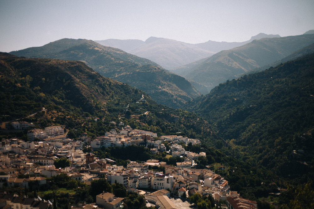 There is plenty of elevation even within Güéjar Sierra and the mountains are very, very close