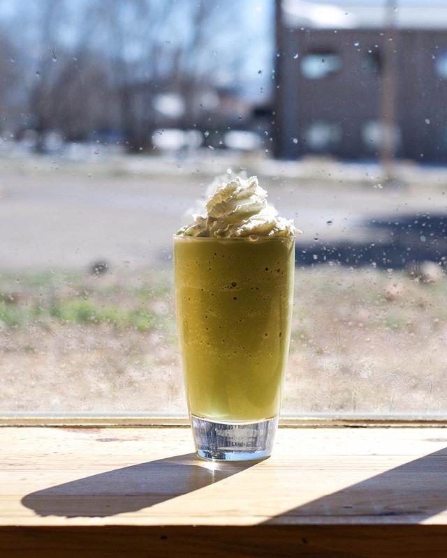 Bright, sunny days need brightly colored drinks. #irishmatcha