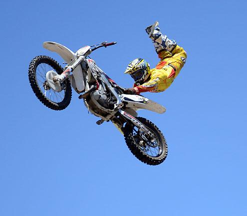 Maneuver+Motorsports+1.jpg