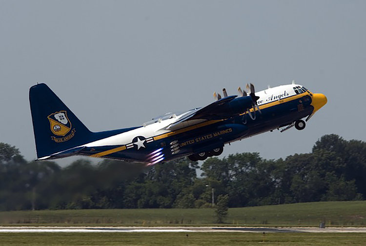 Blue+Angels'+C-130+Fat+Albert.jpg