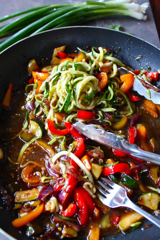 hot sesame zucchini noodles_17.jpg