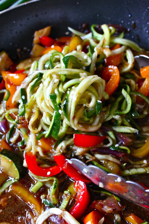 hot sesame zucchini noodles_18.jpg