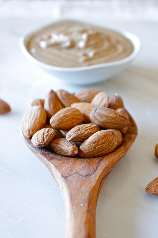 almond butter_19.jpg